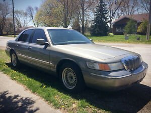 2000 Mercury Grand Marquis-As is