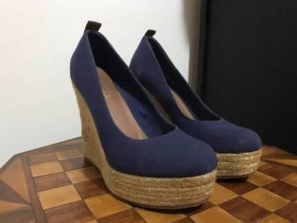 982ce49d72fe ALDO peep toe leather wedge sandals - size 37.5 (AUS) or 4.5 (UK ...