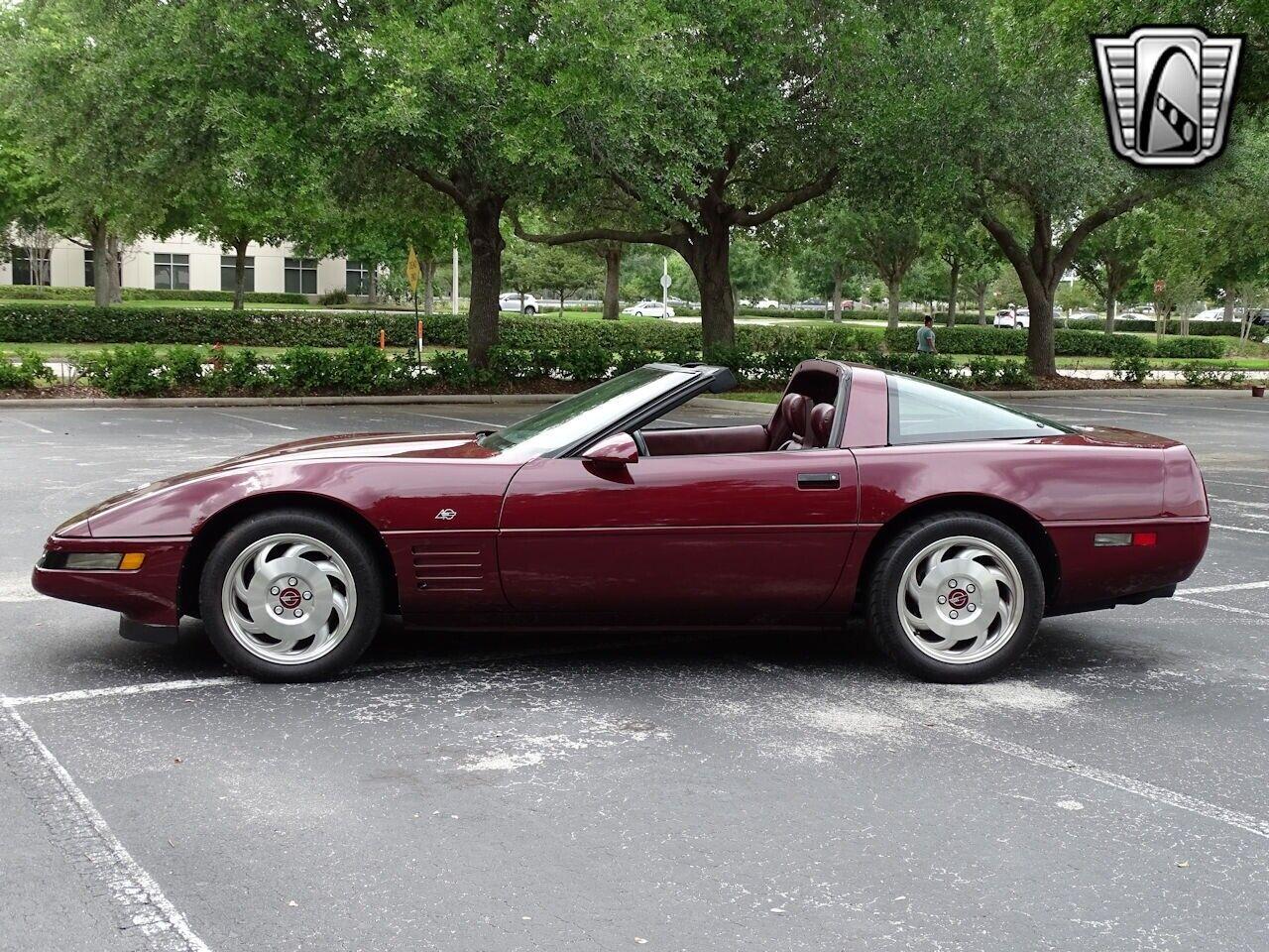 1993 Red Chevrolet Corvette     C4 Corvette Photo 5