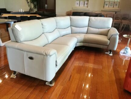 5 seater leather sofa lounge with recliner