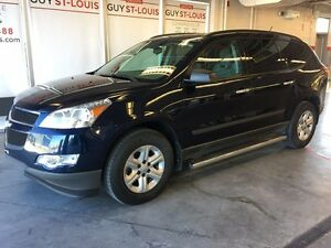 2012 Chevrolet Traverse AWD + 8 PASSAGER