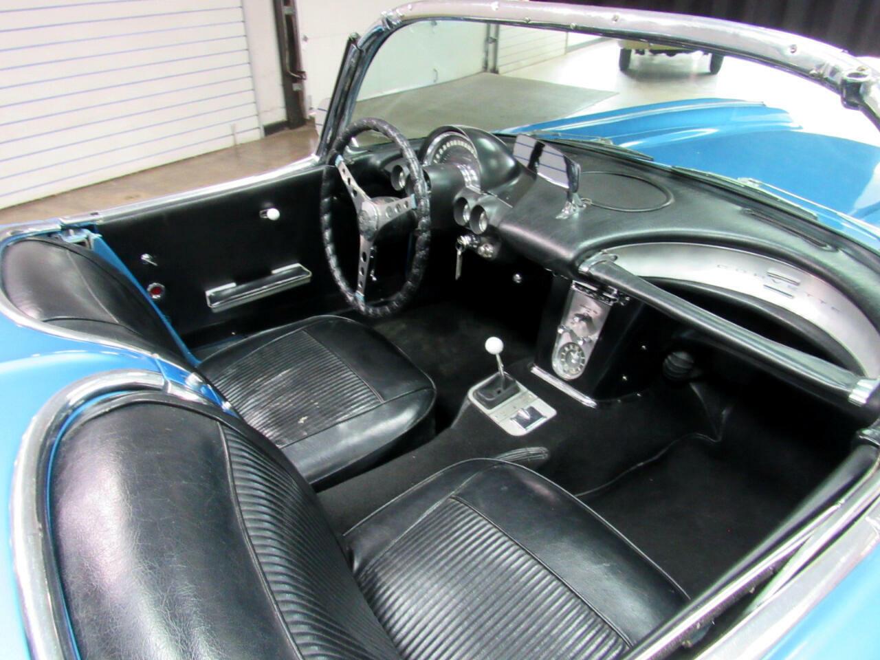 1961 Blue Chevrolet Corvette   | C1 Corvette Photo 10
