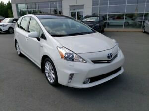 2013 Toyota Prius v Luxury Pac. Navi, Roof, Leather. Stunning!