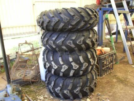 Polaris Wheels , Black RimsTyres and Nuts