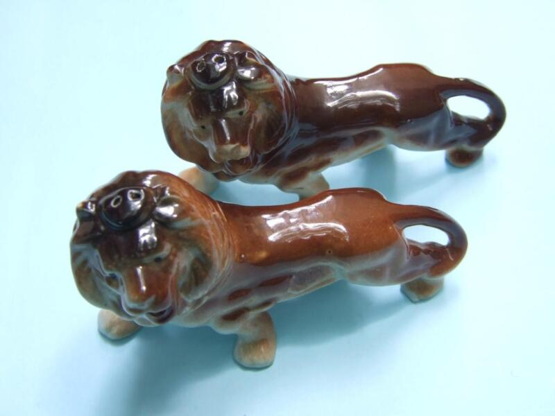 Vintage Pair Lions Salts & Pepper Ceramic  Shakers Made in Japan Decor 50