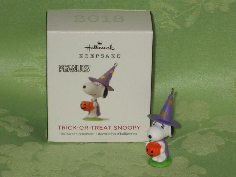 Hallmark 2018 TRICK OR TREAT SNOOPY Halloween miniature ornament free shipping