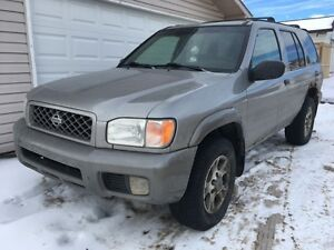 2001 Nissan Pathfinder SE 4x4 *Leather*
