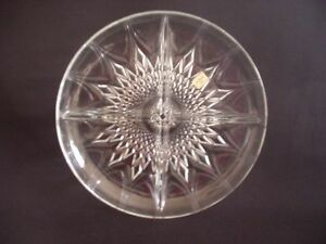 STRIKING-CLEAR-GLASS-HORS-DOEUVRE-DISH-LA-BELLE-VIE-FRANCE-9-75-DIAMETER