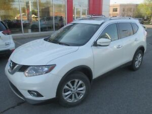 2015 Nissan Rogue SV AWD TOIT PANO JAM ACCIDENT SV AWD PANO ROOF