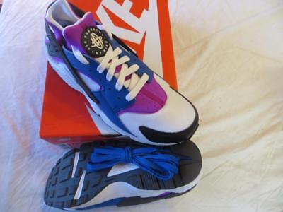 NIKE MEN'S AIR HUARACHE  SZ 8.5 BLUE JAY/WHITE-VIOLET (318429 415) RET$110 NIB