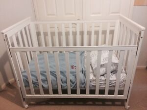 Baby Cot White North Lakes Pine Rivers Area Preview