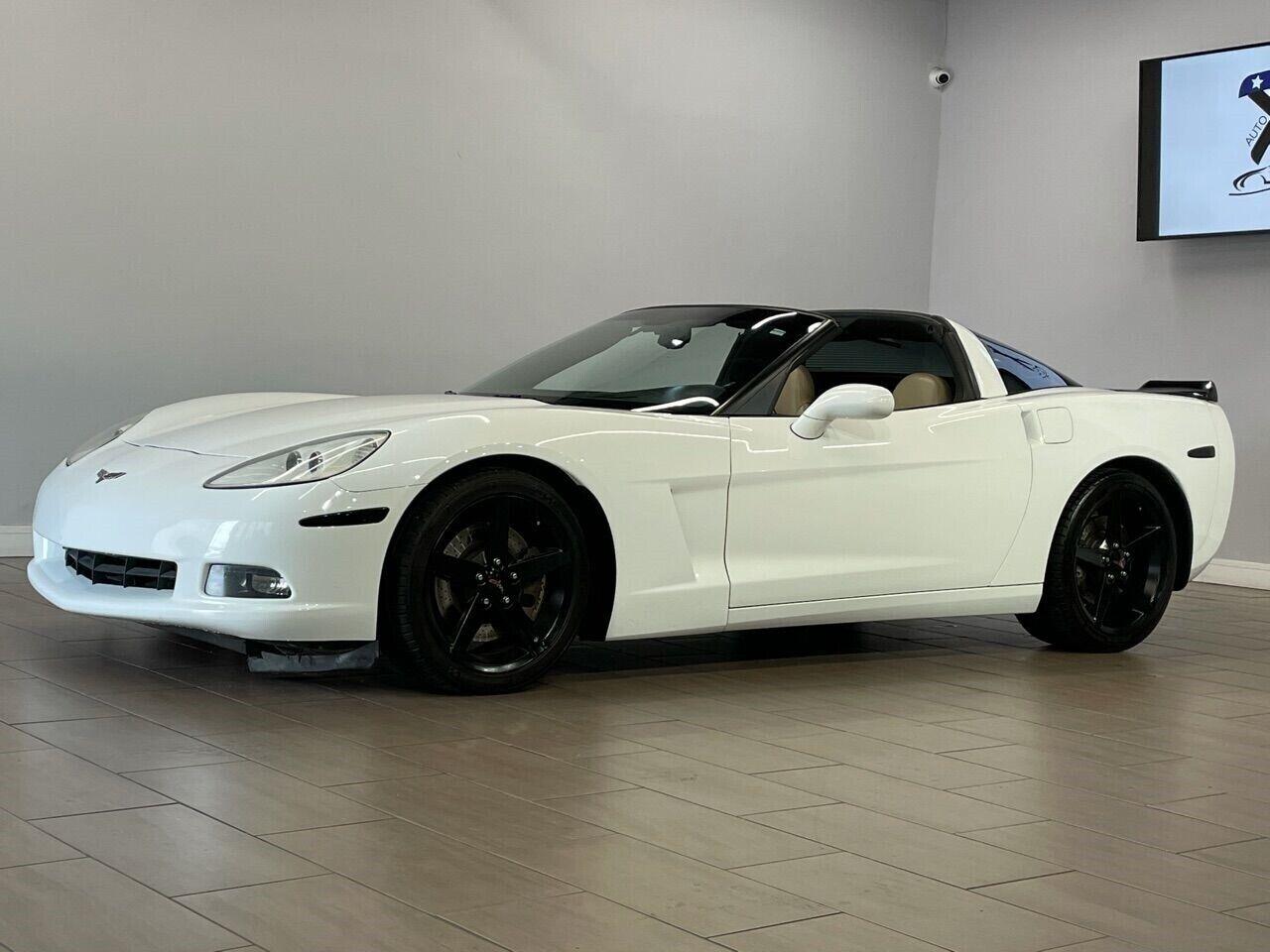 2007 White Chevrolet Corvette Coupe  | C6 Corvette Photo 3