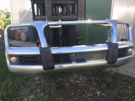 LANDCRUISER 200 BULL BAR GENUINE TOYOTA