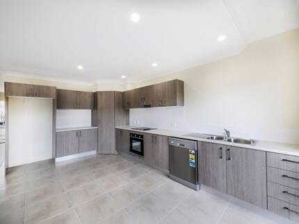 2 WEEKS RENT FREE, PET FRIENDLY BRAND NEW TOWNHOUSE