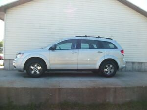 2010 Dodge Journey 7 PASSENGER WITH LOW MILEAGE