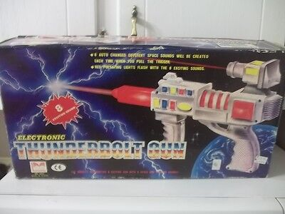 VINTAGE SPACE BATTERY OPERATED ELECTRONIC THUNDERBOLT GUN WITH BOX ESTATE FIND