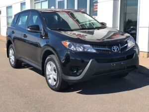 2015 Toyota RAV4 LE FWD LOW KMS!