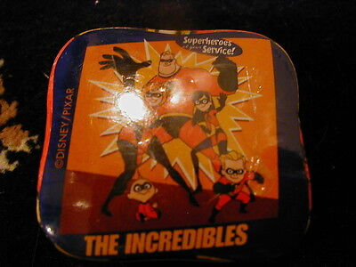 DISNEY STORE INCREDIBLES MAGIC FACE CLOTH SUPERHEROES AT YOUR SERVICE BRAND NEW