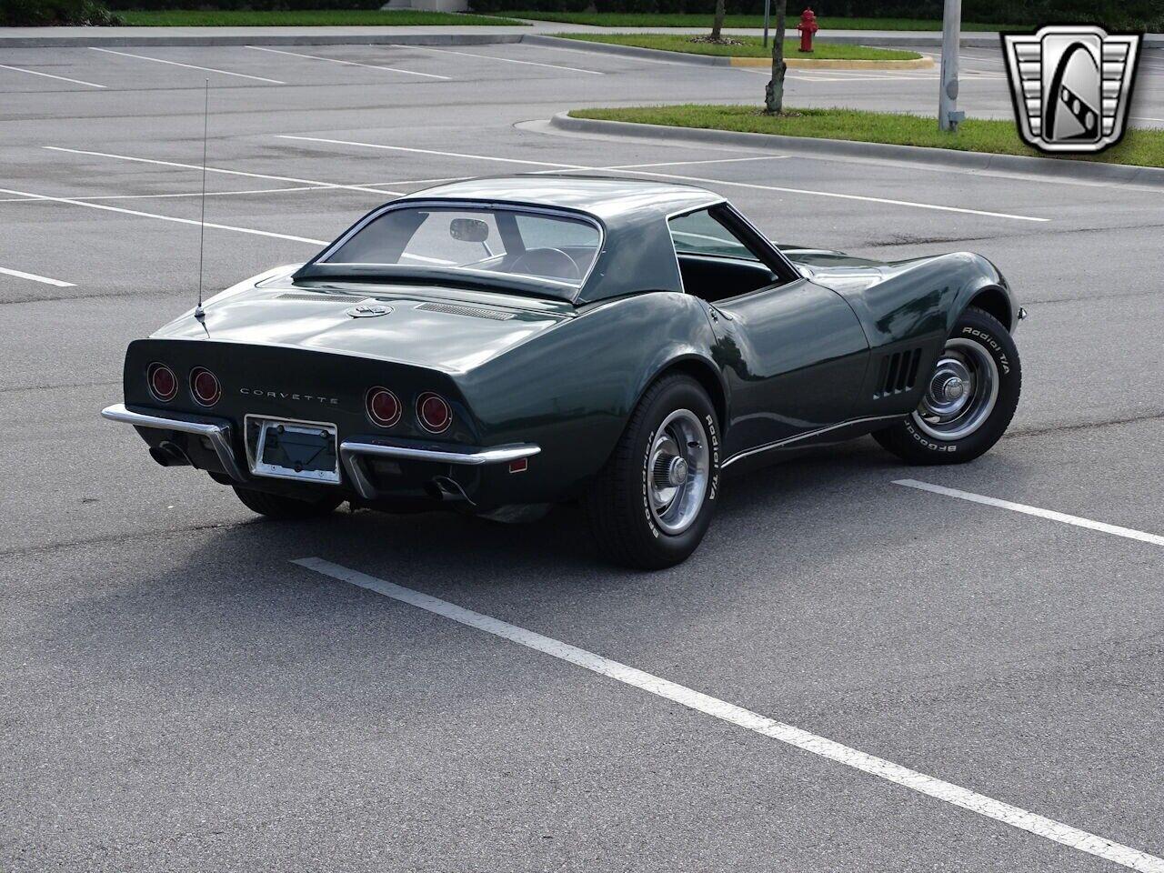 1968 Green Chevrolet Corvette   | C3 Corvette Photo 3