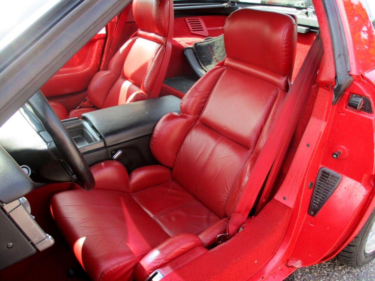 1991 Red Chevrolet Corvette Coupe    C4 Corvette Photo 10