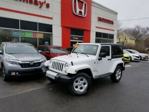 2014 Jeep Wrangler Sahara LEATHER & NAVIGATION