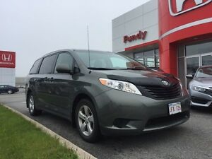 2014 Toyota Sienna DEALER MAINTAINED !!!