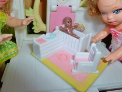 BARBIE KELLY DOLL SZ.TOY - MINIATURE BEDROOM FURNITURE- CRIB & MINI BABY DOLL #2