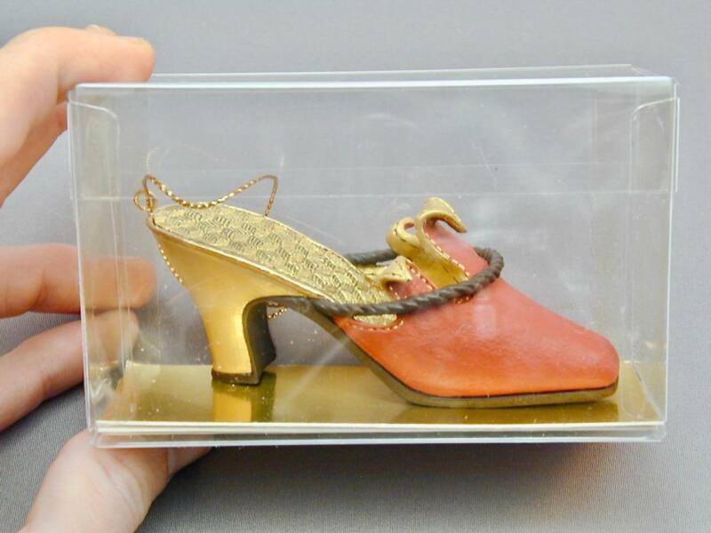 New Metropolitan Museum of Art New York Harlequin Shoe Christmas Ornament