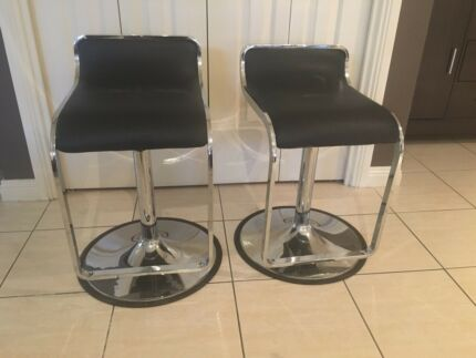 Bar stools new condition