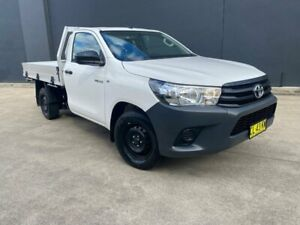 2016 Toyota Hilux TGN121R Workmate Cab Chassis Single Cab 2dr Man 5sp, 4x2 122 White Manual