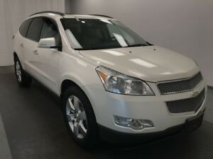 2012 Chevrolet Traverse LTZ HEATED AND COOLED LEATHER, 7 PASS...