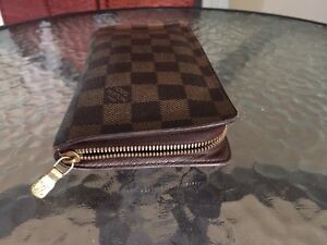 Louis Vuitton Wallet for sale Sydney City Inner Sydney Preview