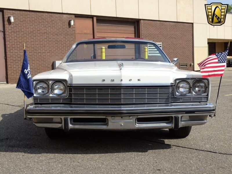 Image 4 Voiture American classic Buick LeSabre 1975