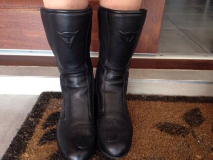 Dainese Ladies Sz 7 leather motorcycle riding boots Kewarra Beach Cairns City Preview