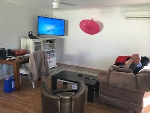 Room for rent in kylie st arundel Arundel Gold Coast City Preview