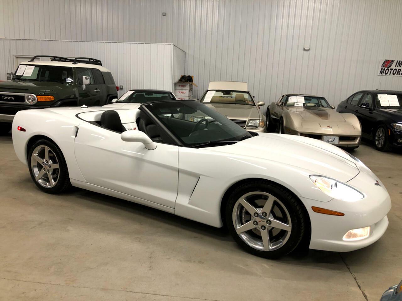 2005 White Chevrolet Corvette Convertible  | C6 Corvette Photo 3