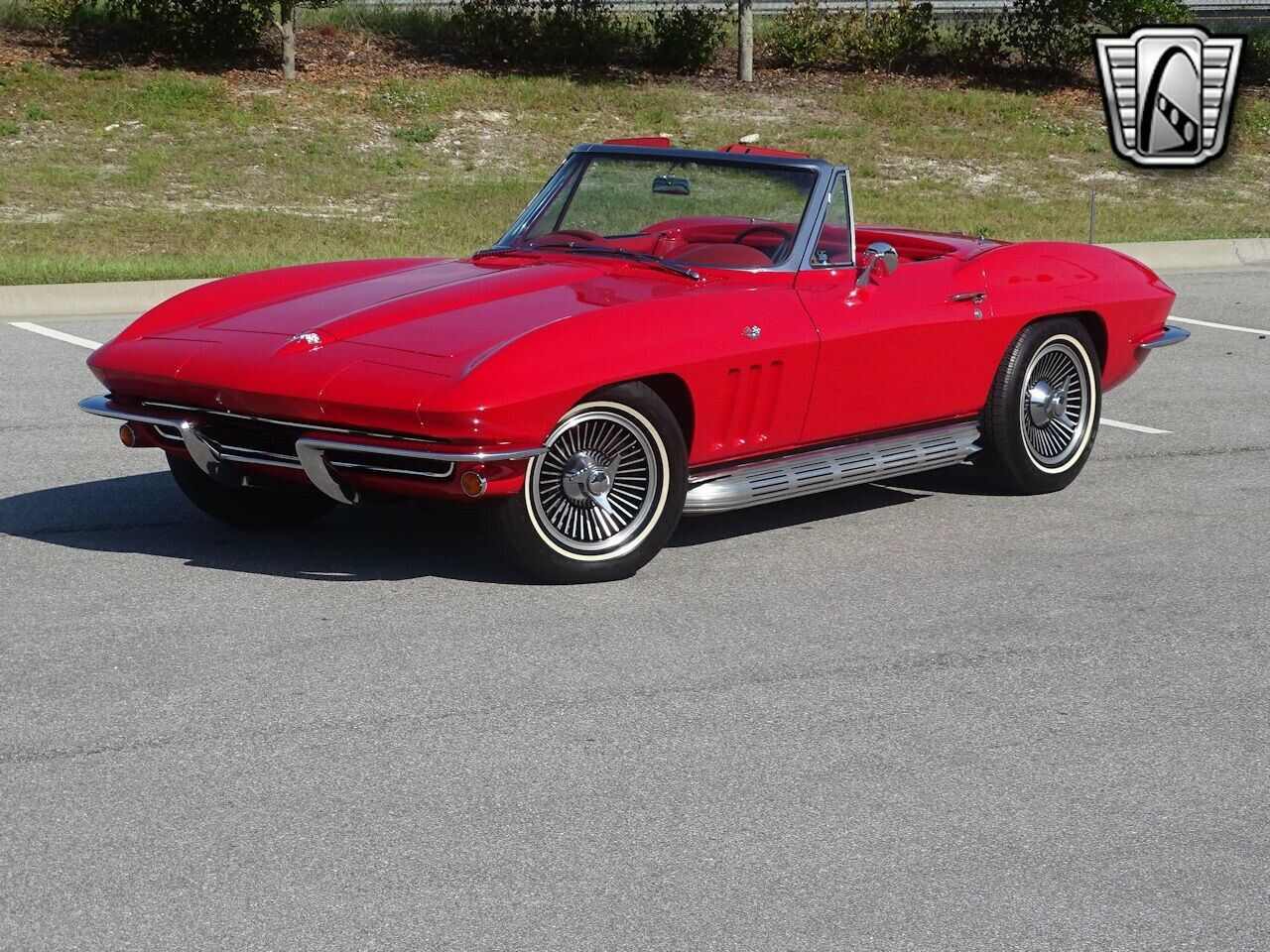 1965 Red Chevrolet Corvette Stingray  | C2 Corvette Photo 3
