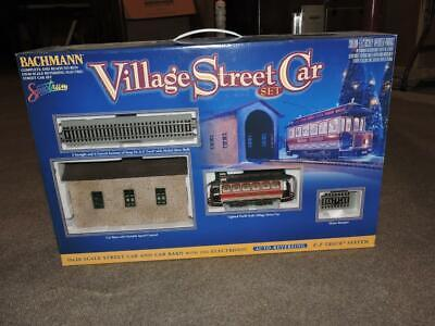 Bachmann Village Street Car Set ON30 Christmas Village Train Set Auto Reversing