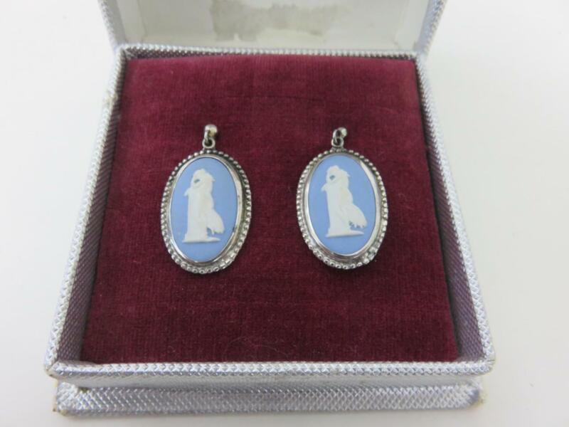 Vintage Wedgwood Blue Jasperware Cameo Earrings Sterling Silver Screwback MIB