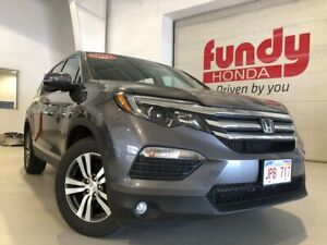 2017 Honda Pilot EX w/heated front seats, rearview cam ONE LOCAL