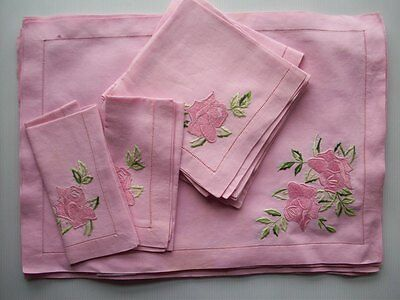 Set of 8 placemats & napkins hand embroidered pink roses