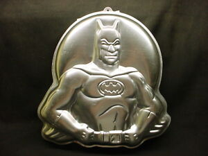 ... BATMAN-cake-pan-1989-mold-tin-Halloween-BAT-MAN-COMIC-Hero-Birthday