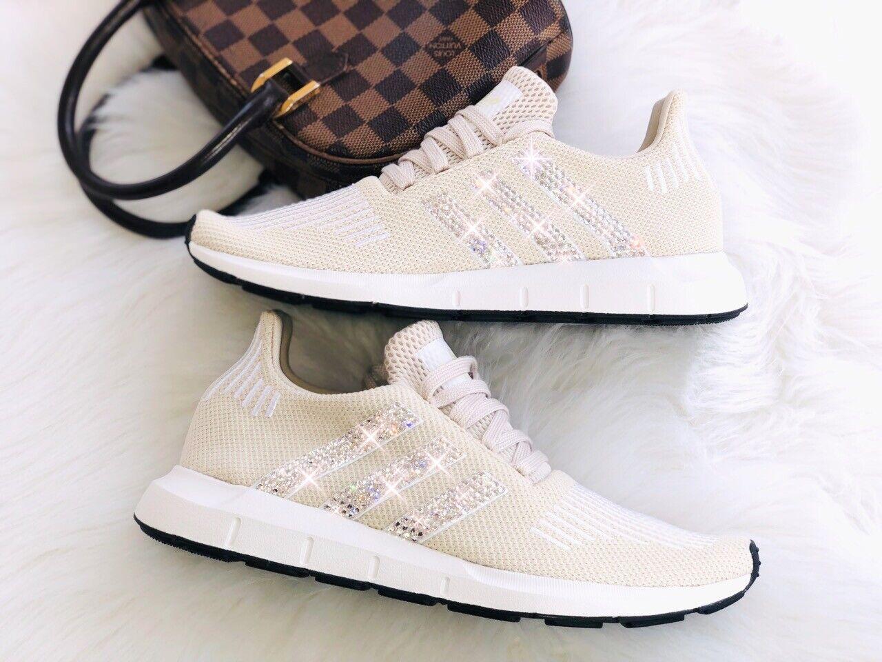 Crystal WMNS Adidas Swift Run Luxus Sneakers mit Swarovski Elements beige creme