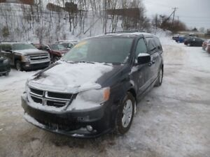 2011 Dodge Grand Caravan CREW STOW AND GO