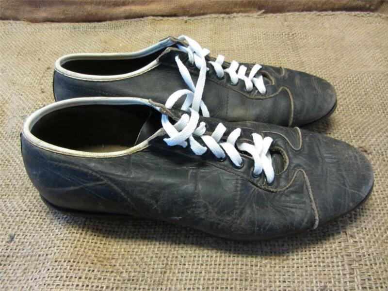 Vintage Leather Football Cleats > Old Antique Equipment Baseball Shoes 7495