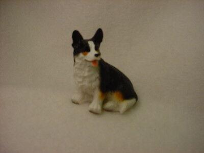 CARDIGAN WELSH CORGI Dog TiNY FIGURINE Hand Painted MINIATURE Resin Statue puppy