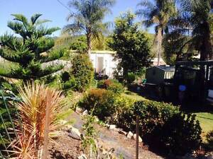 2 BR cosy Rural Cottage Shed Lush gardens Carport Aircon NBN 4G Mount Perry North Burnett Area Preview