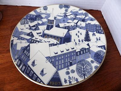 Arabia Finland Wall Plate Christmas Plate 1987 by Raija Uosikkinen