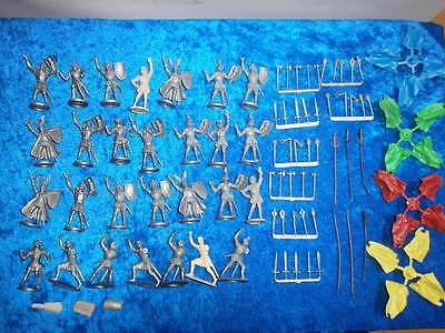 Konvolut 28 Merten Kunststoff Figuren Rohlinge Ritter + 46 Waffen 4cm