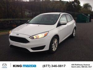 2016 Ford Focus SE HATCHBACK..AUTO...AC...HEATED SEATS & STEERIN